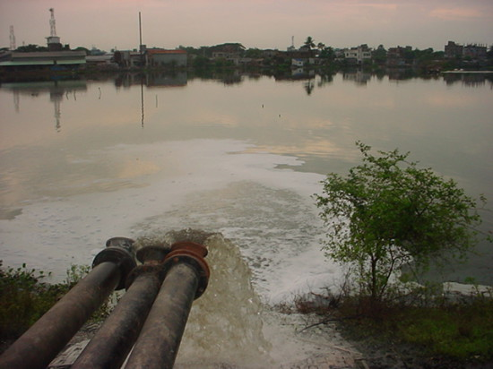 b1 550x412 Одна из самых грязных рек планеты