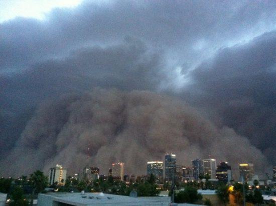 arizona haboob 17 550x411 Пыльная буря в Аризоне