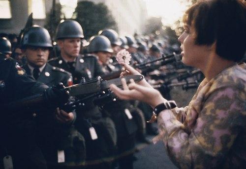 1 Narod i politsiya foto so vsego mira Народ и полиция. Фото со всего мира