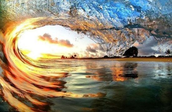 3 550x358 Потрясающие фотографии волн от Nick Selway и CJ Kale.