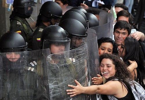 31 Народ и полиция. Фото со всего мира