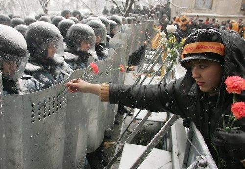 61 Народ и полиция. Фото со всего мира