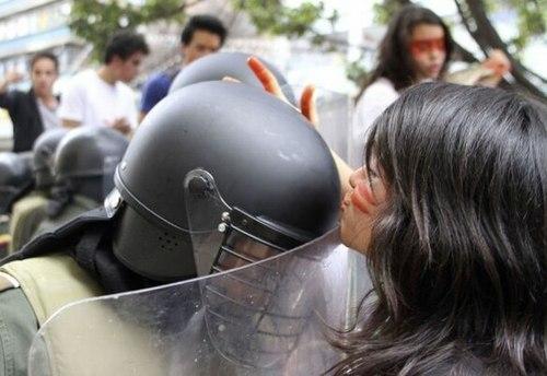 8 Народ и полиция. Фото со всего мира