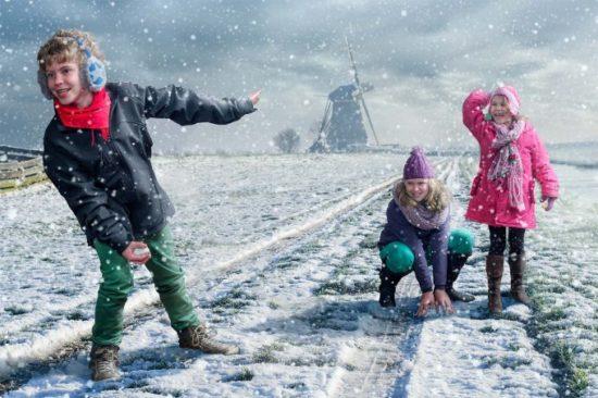 1362414012 adrian sommeling sneeuwpret child 550x366 Серия фотографий от Adrian Sommeling