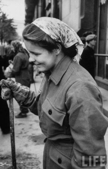 73 350x550 Советские женщины 50 х