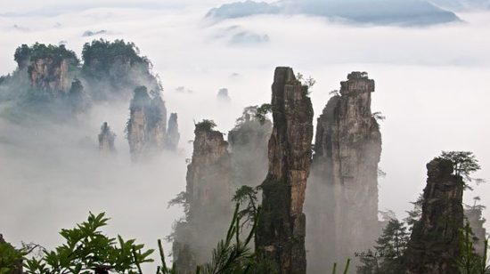 1329989532 amazing places tianzi mountains 1 550x308 Национальный парк Чжанцзяцзе, Китай