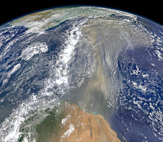 13466dd6 550x480 Пыль из пустынь Африки долетела до США
