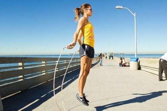 20140217155212 550x366 Самые простые упражнения для поддержания формы
