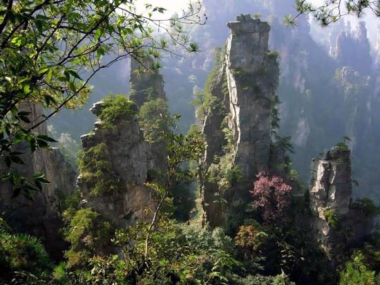 gora Uchzhishan ostrov Haynan Kitay 550x412 Национальный парк Чжанцзяцзе, Китай