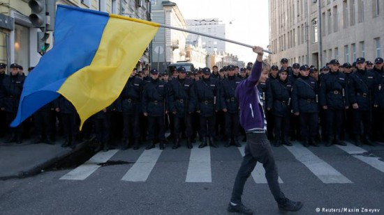 017938265 30300 550x309 Марши мира против войны на Украине