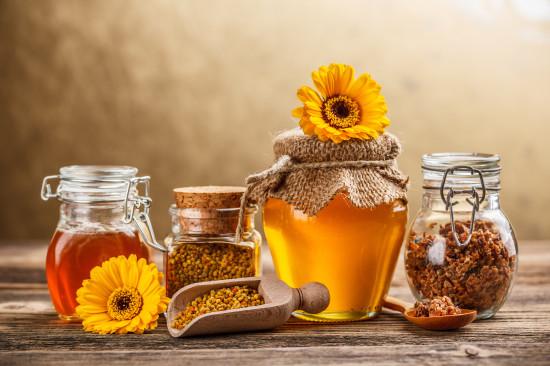 1380317916 med 20 550x366 10 чудесных продуктов пчеловодства