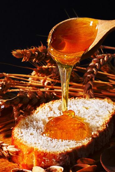 honey kurtsik 368x550 10 чудесных продуктов пчеловодства