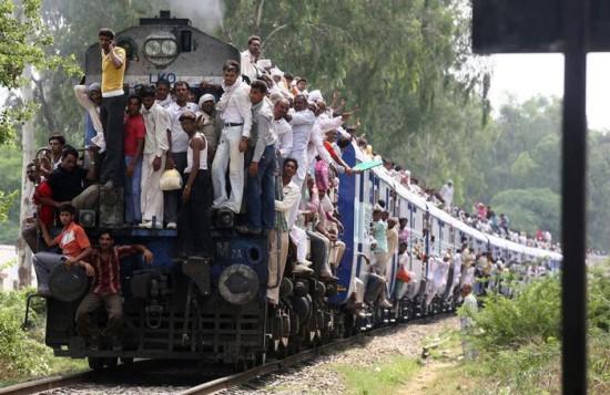 train 550x357 50 фактов об Индии