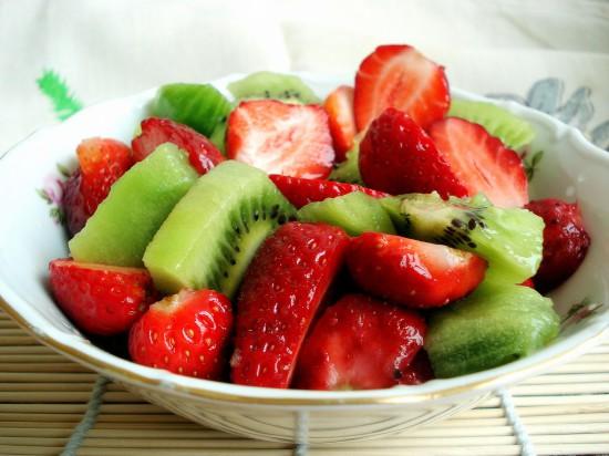 frukt salat2 550x412 Киви