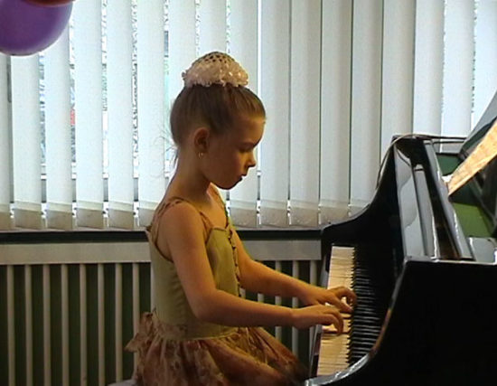 22 3 550x427 10 причин учить ребенка музыке