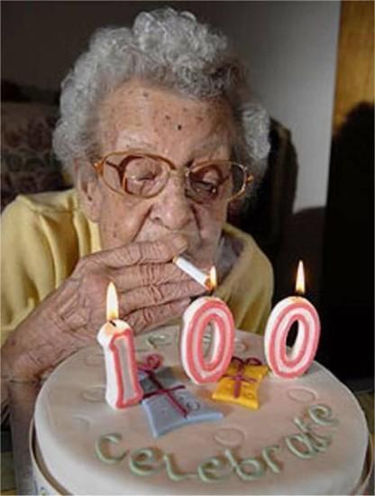 funny old people 22 416x550 Есть ли на самом деле рецепт долголетия?