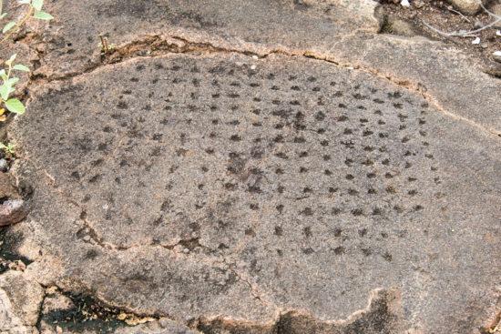 01 Petroglyph 550x367 Гавайские петроглифы   рисунки на камнях