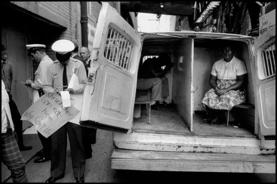 1959 god. Esli Hrushhev mozhet zdes est to pochemu etogo ne mozhem delat my s Bruce Davidson 550x366 Осколки истории