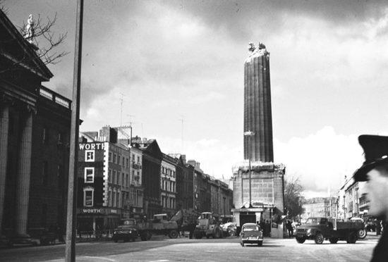 1966 god. Vzorvannaya kolonna Nelsona v Dubline. 550x372 Осколки истории