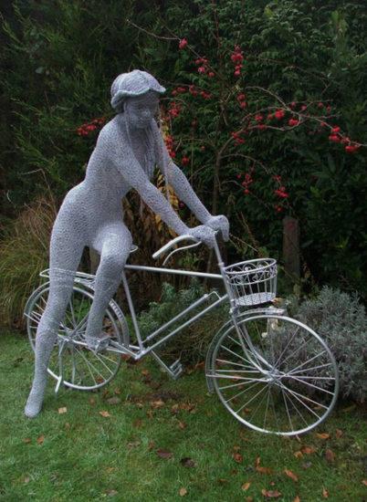 Derrek Kinzett Lady Bike 1 2012 402x550 Стрит арт Британии
