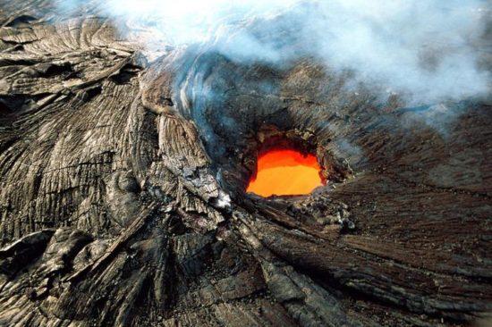 vulkan kilaujea 13 550x366 Национальный парк Гавайские вулканы