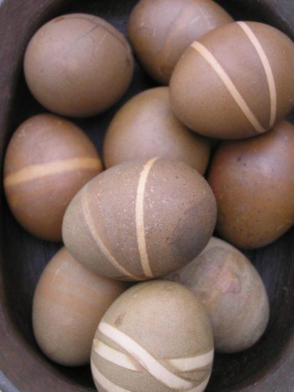 479c60701da5faa28ecc3deda53617df 412x550 Пасха и варианты пасхального украшения яиц