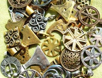 Amulety oberegi i talismany Амулеты, талисманы и обереги
