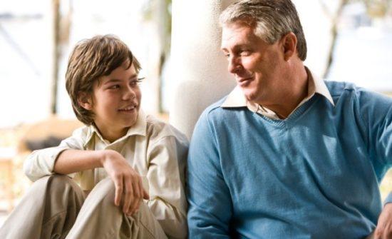 dad son talking 657x400 550x335 Письмо отца сыну: зачем стоит жениться