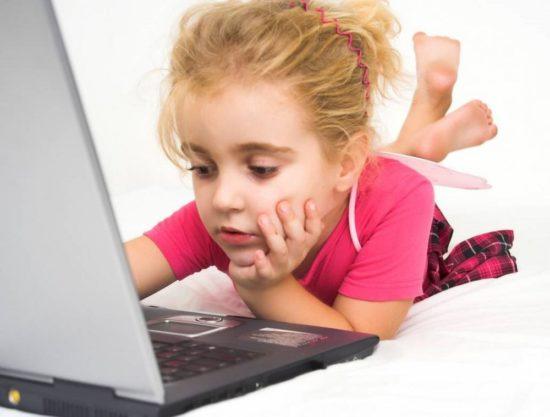 stoit li pokupat rebenku kompyuter 68262 550x417 Дети, телефон, интернет