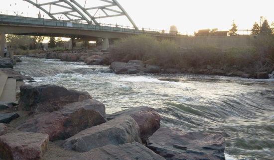 2015 04 06 19.23.10 550x322 США глазами наших людей ІІ   выставка в ботсаду, столбы, мосты и реки