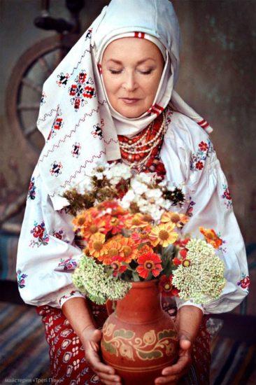 10371445 1536814219864607 5307904212068309137 n 366x550 Национальная одежда украинцев. Часть 2
