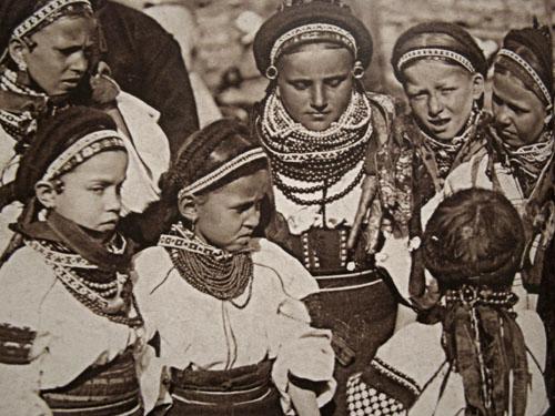 10444626 1547195255493170 8448660157279746356 n Национальная одежда украинцев. Часть 2