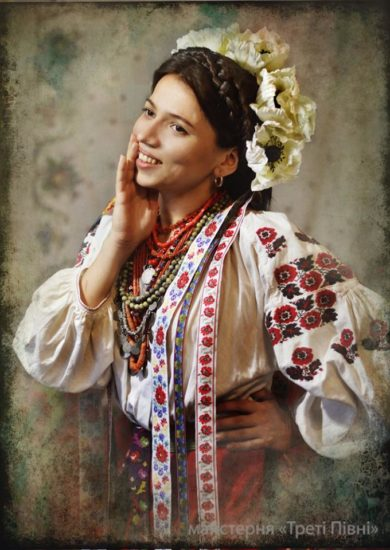 10888663 1562312087314820 4945839649799223645 n1 390x550 Национальная одежда украинцев. Часть 1