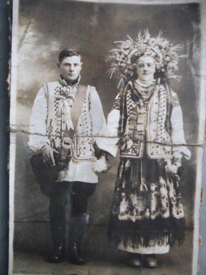 11012758 1604056399807055 5680182515932644915 n 413x550 Национальная одежда украинцев. Часть 1