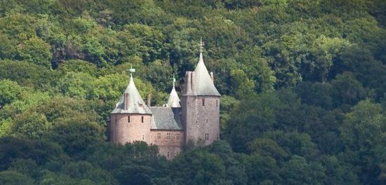 castell 550x264 Настоящие замки Британии