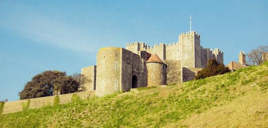 dover castle kent england 46171737 550x264 Настоящие замки Британии (2)
