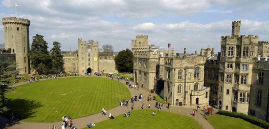 warwick castle warwick england 46171773 550x264 Настоящие замки Британии (2)
